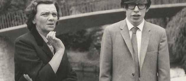 stephan hawking gencligi - Stephen Hawking Modern kozmolojinin en parlak yıldızı 76 yaşında öldü